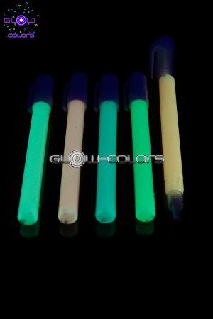 feutre fluorescent dans le noir