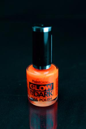 Vernis à ongles orange phosphorescent et fluo